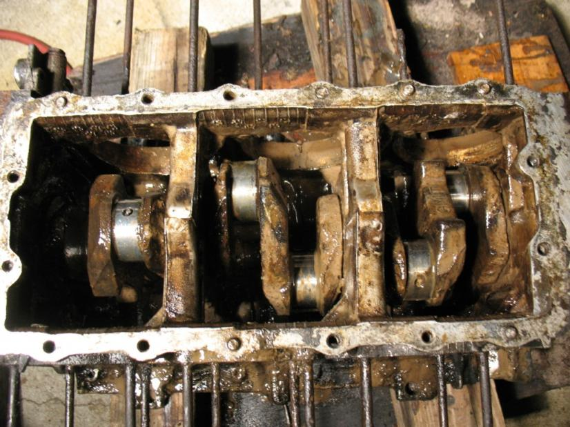 Name:  covair motor start of disasembly 12-4-10 024.jpg Views: 570 Size:  97.7 KB